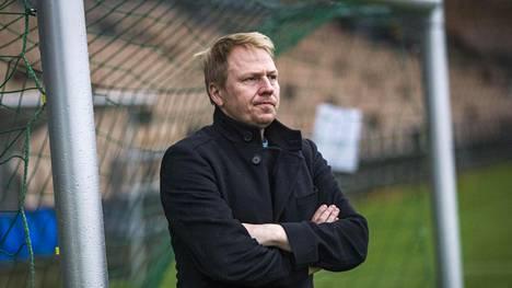 """""""Me kaikki olemme pettyneitä, koska emme voittaneet Suomen mestaruutta"""", HJK:n toimitusjohtaja Aki Riihilahti sanoo."""