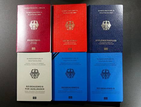 Uusia saksalaisia elektronisia passeja esiteltiin medialle helmikuussa Berliinissä.