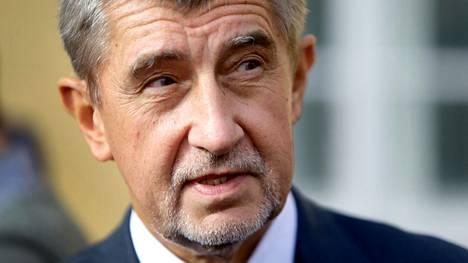 Liikemiestaustainen Andrej Babiš, 63, perusti Ano-puolueensa vuonna 2011 ja nousi edellisten parlamenttivaalien jälkeen valtiovarainministeriksi. Hän joutui kuitenkin lähtemään hallituksesta korruptioepäilyjen vuoksi.