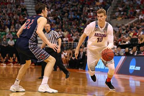 Ennen NBA-parketeille siirtymistä Lauri Markkanen pelasi yhden kauden Arizonan yliopistossa. Kuva maaliskuulta 2017.