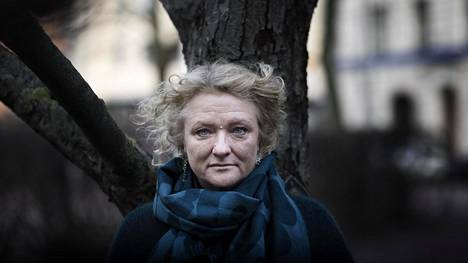 Ruotsinsuomalainen näyttelijä Anna Takanen on toiminut myös Tukholman kaupunginteatterin taiteellisena johtajana. Hän jätti tehtävät kesällä 2019 keskittyäkseen romaanin kirjoittamiseen.