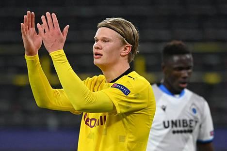 Erling Braut Haaland teki Dortmundille kaksi maalia.