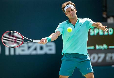 Federer haki sunnuntaina Toronton turnauksen loppuottelussa ATP-kiertueen 80 voittoaan, muttta hävisi ranskalaiselle Jo-Wilfried Tsongalle.