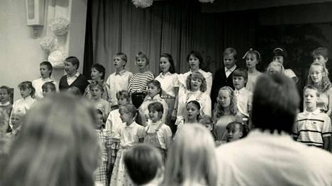 Suvivirren laulajia vuodelta 1987.