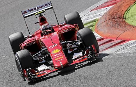Kimi Räikkönen starttaa Monzan radalle toisesta lähtöruudusta.