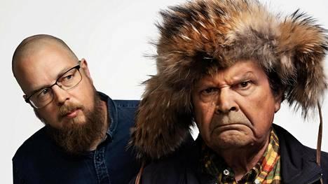 Uudessa televisiosarjassa Mielensäpahoittaja (Heikki Kinnunen) kohtaa luojansa Tuomas Kyrön sekä muita oikeita ihmisiä.