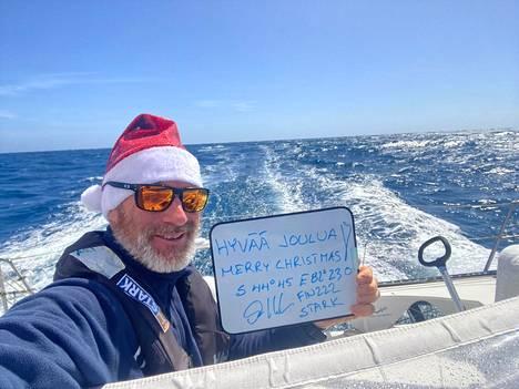 Ari Huusela lähetti jouluterveiset.