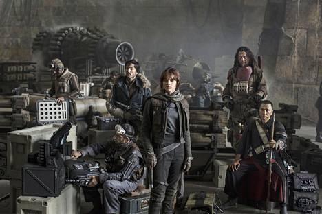 Riz Ahmed, Diego Luna, Felicity Jones, Jiang Wen ja Donnie Yen kuuluvat Rogue Onen päänäyttelijöihin.