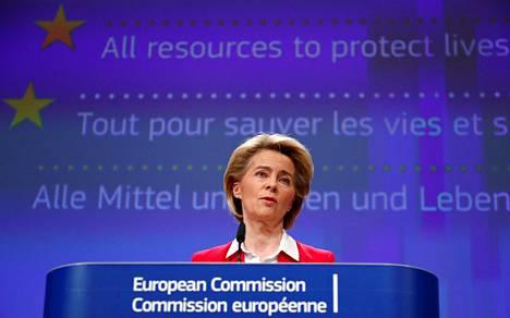Komission puheenjohtajan Ursula von der Leyen pitämässä koronan talousvaikutuksia käsitellyttä tiedotustilaisuutta 2. huhtikuuta