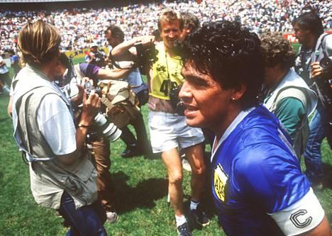 Diego Maradona muistetaan erityisesti kahdesta maalistaan Englannin verkkoon 22. kesäkuuta 1986 pelatussa MM-puolivälieräottelussa.