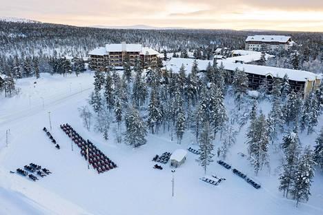 Myös Saariselkä tyhjeni viime keväänä. Tavallisesti Lapin matkailuyritykset elävät talven tuloilla kesän yli, kertoo Lapland Safarisin Jyrki Niva.