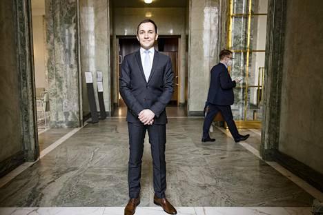Kokoomuksen kansanedustajan Wille Rydmanin mielestä tärkeä syy vastustaa elpymispakettia on, että se voi luoda taloudellista moraalikatoa: oletus siitä, että ylikansallinen toimija kuittaa velat, jos niistä ei suoriudu, synnyttää epäterveitä kannusteita.