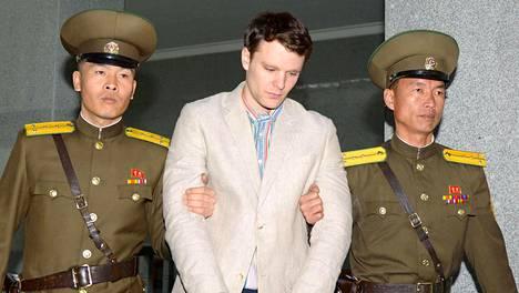 Otto Warmbier tuomittiin 15 vuoden pakkotyöhön Pohjois-Koreassa.