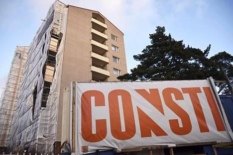 Constin rakennustyömaa Helsingin Mannerheimintiellä marraskuussa 2015.