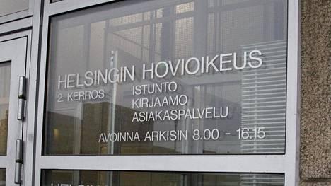 86-vuotiaan miehen huijaaminen toi 22-vuotiaalle miehelle ehdottoman vankeustuomion törkeästä petoksesta. Helsingin hovioikeus antoi ratkaisunsa maanantaiaamuna.
