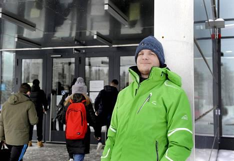 Juho Närhi aloitti syksyllä opinnot Lappeenrannan teknillisessä yliopistossa. Hän sai opiskelupaikkansa todistusvalinnalla.