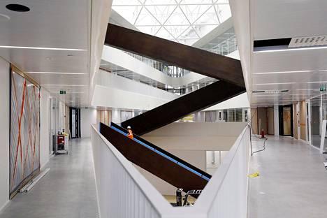 Arkkitehtuuria opiskellaan Aalto-yliopiston uudessa Väre-rakennuksessa. Kuva on otettu maaliskuussa 2018, muutama kuukausi ennen Väreen valmistumista.
