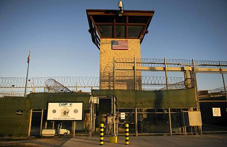 Guantanamo Bayn pääportti joulukuussa 2012.