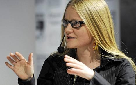 Tutkija Johanna Vehkoon mukaan on epätodennäköistä, että pörssiyhtiöt pystyisivät takaamaan laatujournalismin.