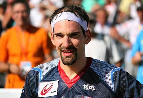 Suunnistuksen moninkertainen maailmanmestari Thierry Gueorgiou jakoi EM-kisakarttaa Twitterissä järjestäjien vuodettua sen nettiin.