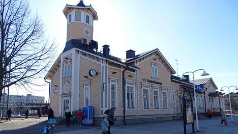 Valvontakameroita on Keravalla muun muassa asema-aukiolla.