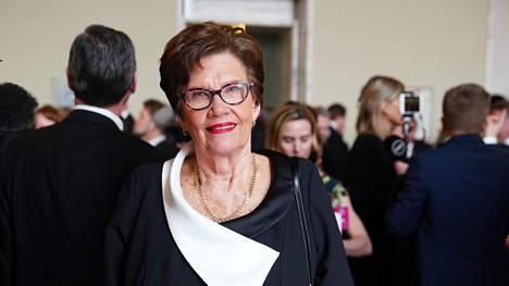 """Sirkka-Liisa Anttila (kesk): """"Eduskuntatyössä parasta on se, kun olet kansalta saanut valtakirjan, joka velvoittaa sinua tekemään parhaasi, pitämään kansaan yhteyttä ja aina katsomaan kokonaisuuden etua."""""""