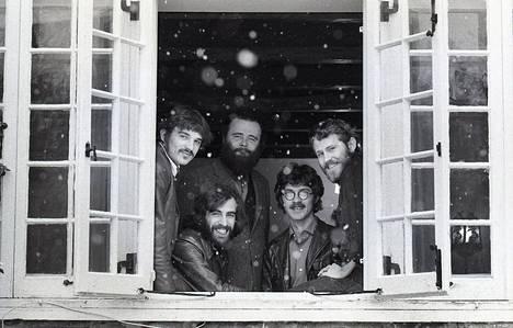 The Band -yhtyeen Rick Danko (vas.), Richard Manuel, Garth Hudson, Robbie Robertson ja Levon Helm olivat alkuun kuin veljeksiä, jotka elivät ja hengittivät musiikkia yhdessä.