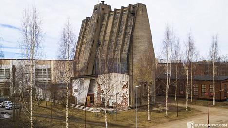 Alvarin siilo Oulun Toppilassa ei ole perinteisintä Alvar Aaltoa muun muassa raakabetonisen julkisivunsa takia.