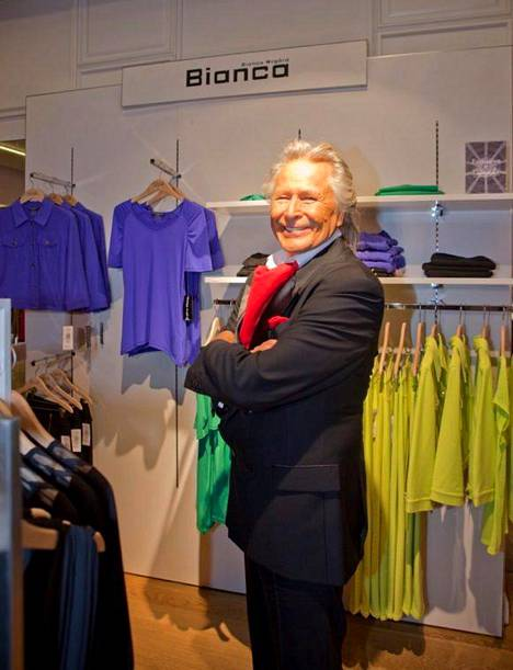 Peter Nygård tavaratalon avajaisissa Jakartalla vuonna 2013.