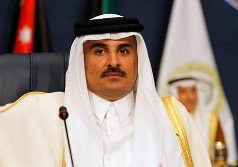 Qatarin hallitsija šeikki Tamim Bin Hamad al-Thani kuvattuna maaliskuussa 2014 Kuwaitissa, jossa hän osallistui arabimaiden kokoukseen.