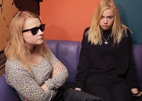 Maustetytöt on Anna ja Kaisa Karjalainen muodostama sisarus-duo.