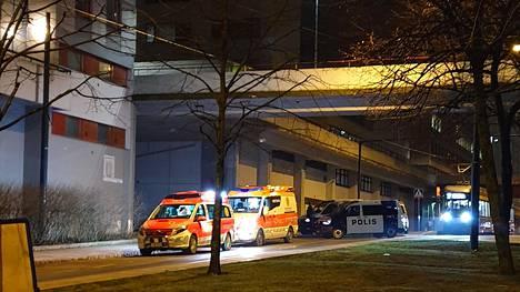 Poliisilla operaatio Helsingin Itä-Pasilassa, paikalla useita partioita