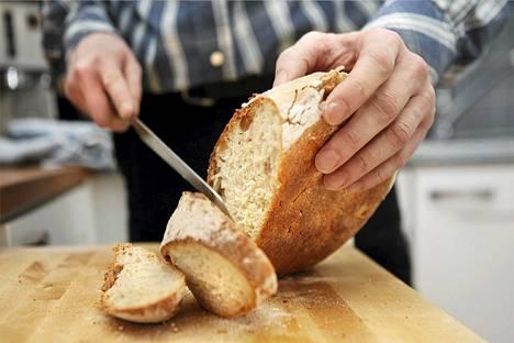Valtion ravitsemusneuvottelukunnan mukaan jodia voitaisiin lisätä muun muassa leipään.