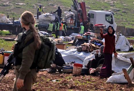 Israelin joukot tuhosivat beduiiniasukkaiden teltat ja muuta asuinrakenteet Humsassa miehitetyllä Länsirannalla maanantaina 8. helmikuuta.