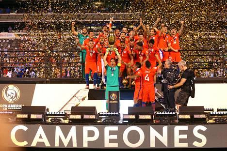 Copa American voittojuhlat sujuivat Chileltä rutiinilla.