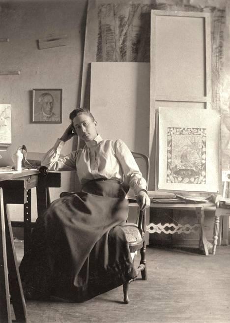 Hilma af Klint (1862–1944) Tukholman Hamngatanilla noin vuonna 1885.
