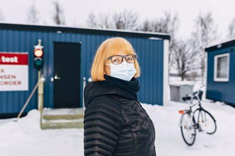 Eini Karjalainen meni koronatestiin Torniossa, Suomen ja Ruotsin rajalla.
