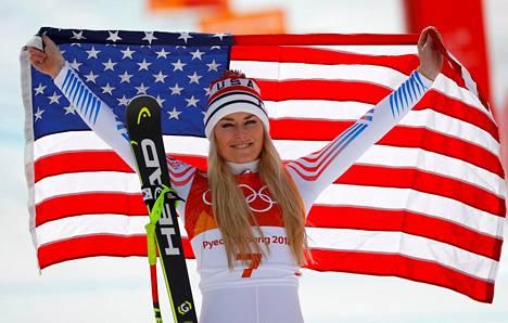 Lindsey Vonn juhli pronssimitalia Pyeongchangin olympialaisissa helmikuussa.