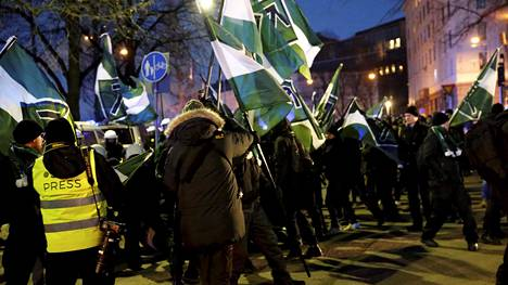 Pohjoismainen vastarintaliike marssi itsenäisyyspäivänä 2016 Helsingissä.