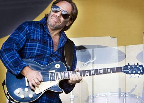 Al Di Meolan läpimurtolevystä on kulunut on 40 vuotta. Vuonna 2008 hän soitti Pori Jazzissa Chick Corean kanssa.