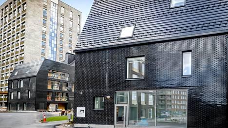 Esimerkiksi Helsingin Jätkäsaaressa Kanariankuja 4:ssä asukkaat valittivat kerrostalon viimeistelytöistä.