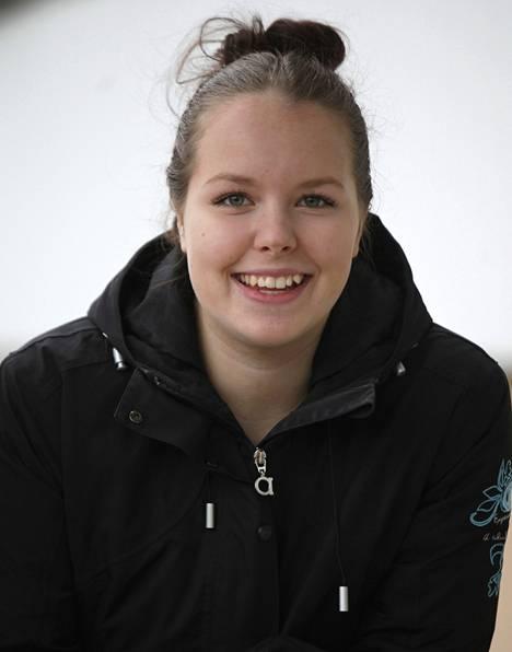 Tamperelainen Emilia Ahonen pyrkii panssaripataljoonaan.