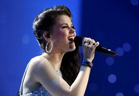 Saara Aalto teki jo historiaa edetessään Britannian X Factor -kilpailun finaaliin ensimmäisenä ulkomaalaisena kilpailijana.