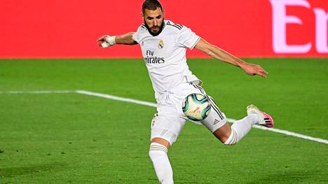 Jalkapallo | Real Madridin tähtipelaajaa Karim Benzemaa syytetään osallisuudesta kiristykseen seksivideotapauksessa