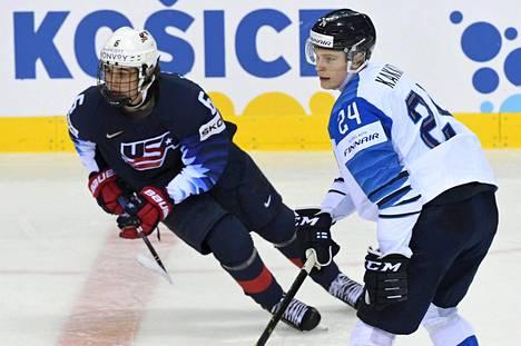 Kaapo Kakko ja Jack Hughes kohtasivat jääkiekon MM-kisoissa Slovakiassa.