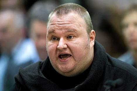 Kim Dotcomia syytettiin ehdonalaisen määräysten rikkomisesta.
