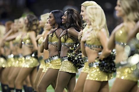 New Orleans Saintsin cheerleaderit tunnetaan nimellä Saintsations.