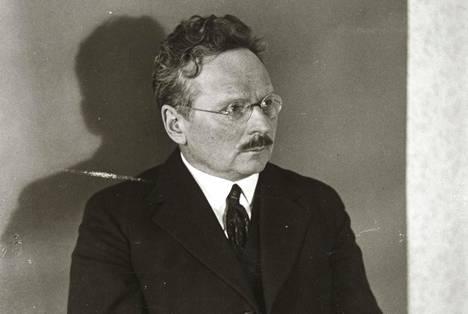Professori Lauri Kettunen (1885–1963) oli tulisieluinen Eesti-nimen puolustaja.