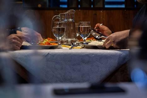 Moni ravintola-alan työntekijä on nyt ilman työtä.