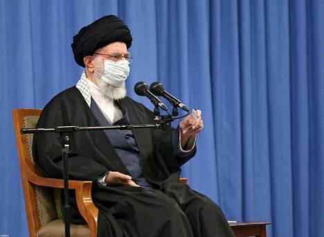 Iranin korkein hengellinen johtaja Ali Khamenei puhui Teheranissa sunnuntaina.